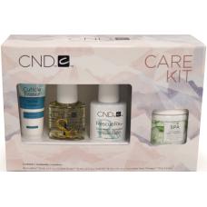 Маникюрный набор CND™ Essentials Holiday Care Kit